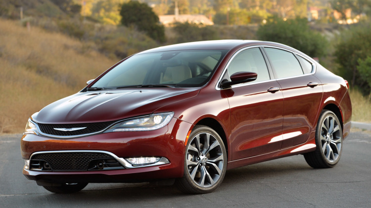 Marchionne blames design 'dummies' for poor Chrysler 200 reception