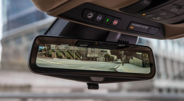 Feds OK Cadillac's high-res LCD rear view mirror